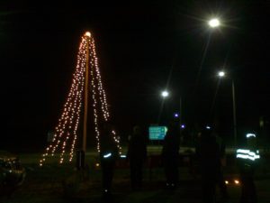 Joulu saapuu, valot syttyvät Kartanonmäellä @ Kartanonmäen risteysalue